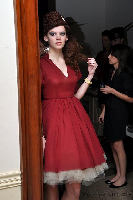 http://photos.modelmayhem.com/photos/110808/13/4e404278248a7.jpg