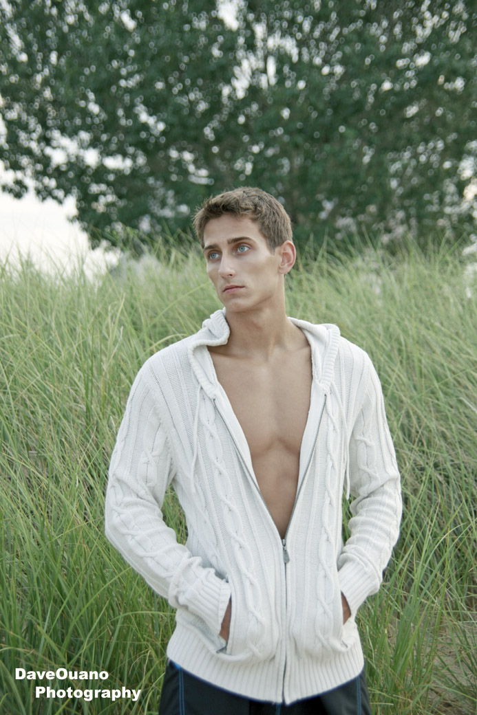 http://photos.modelmayhem.com/photos/110809/10/4e4170190f77a.jpg