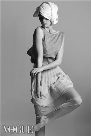 Female model photo shoot of Wallman Photography