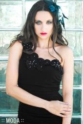http://photos.modelmayhem.com/photos/110813/06/4e467b0102431_m.jpg