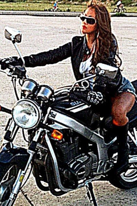 Female model photo shoot of Hunniie in Brooklyn, NY
