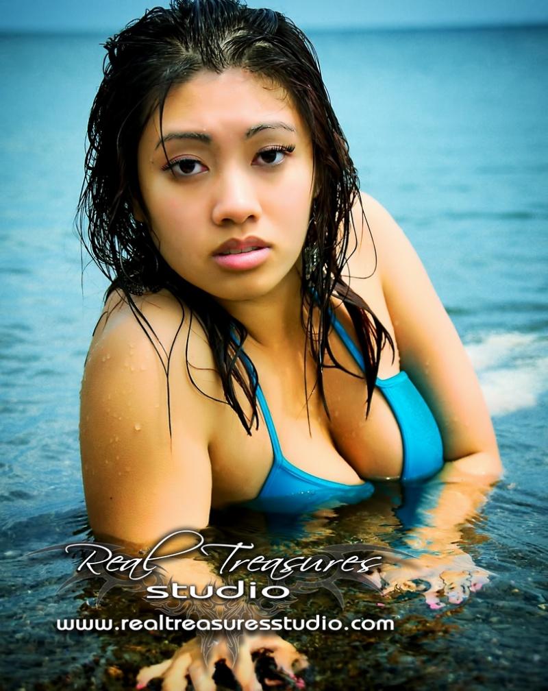 Female model photo shoot of CynthiaTonic