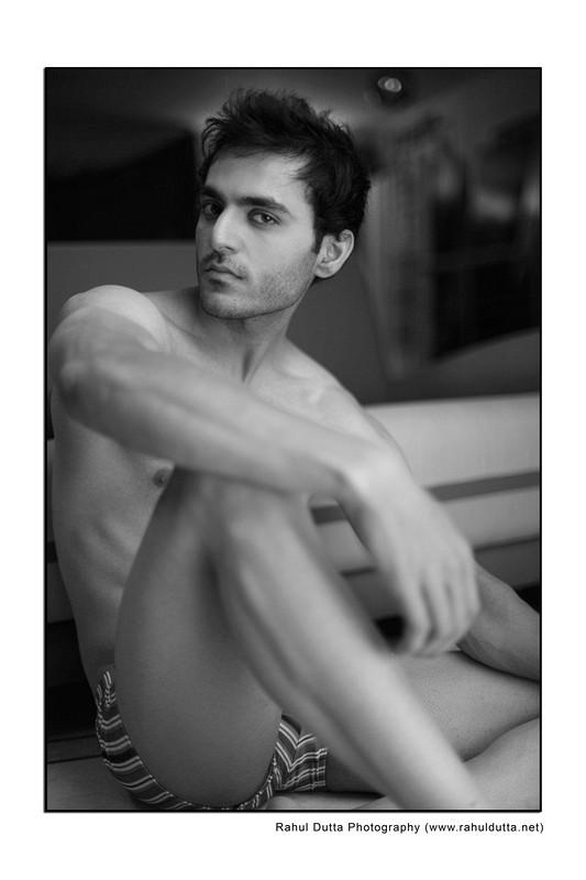 Male model photo shoot of Piyush Moudgil