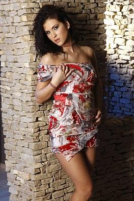 Female model photo shoot of Annmary