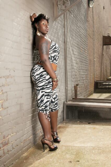 Female model photo shoot of Hershey Jadore