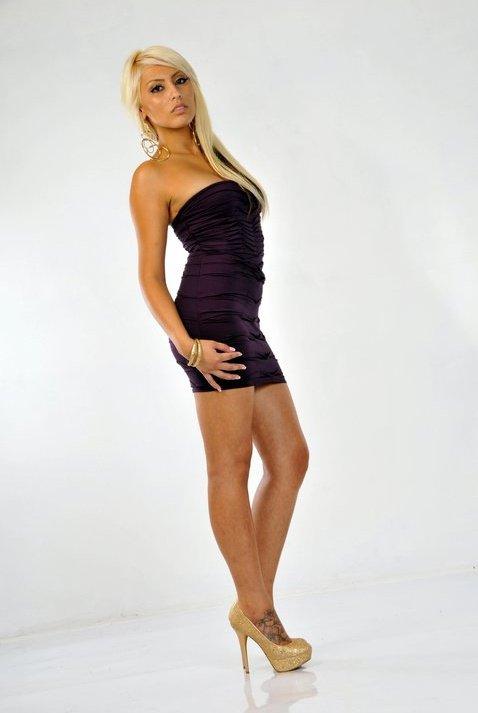 Female model photo shoot of Priscilla Mariee by ALVARO MARIN