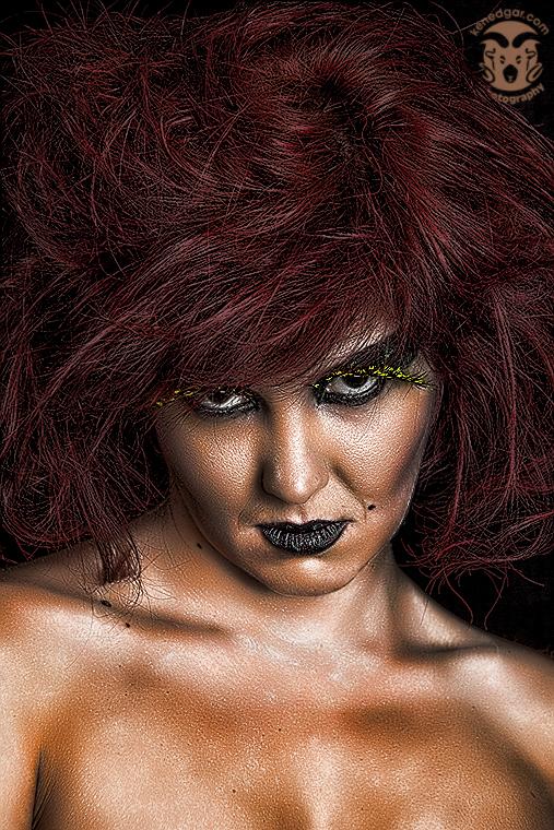 http://photos.modelmayhem.com/photos/110818/21/4e4dec8a3460e.jpg