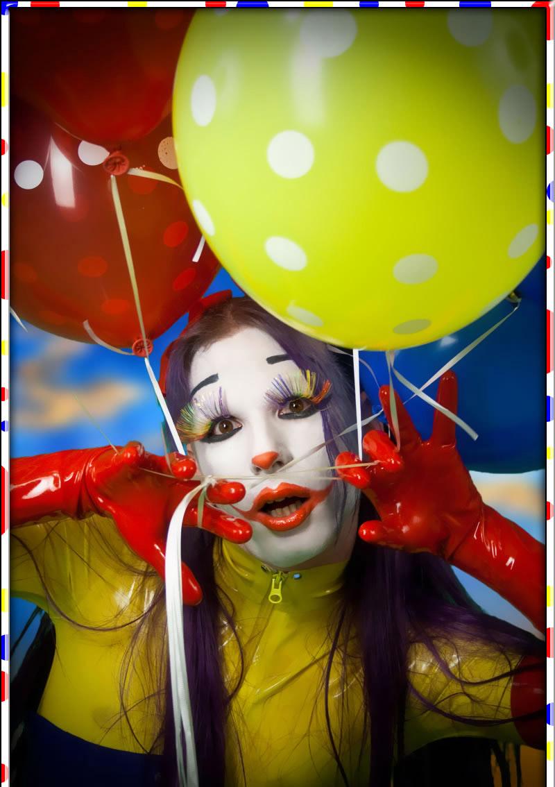 Arlington, TX. Aug 19, 2011 ©2011 skullcandymedia.com Clown