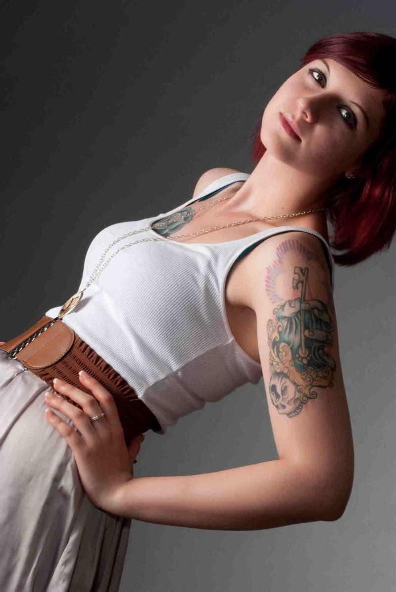 Female model photo shoot of MissCyanide