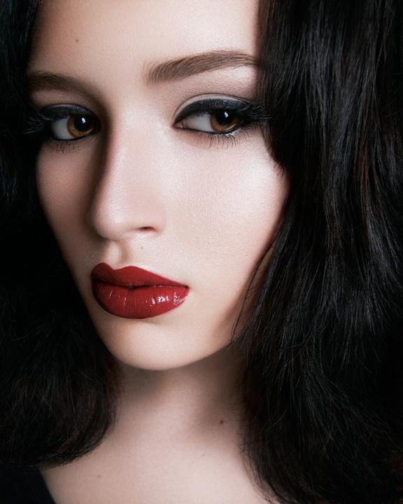 Aug 19, 2011 alexandra Stratan Dimmi chi sei e ci crederò-  hair cut, color, style, make up,eyebrow shaping and photography Alexandra Stratan