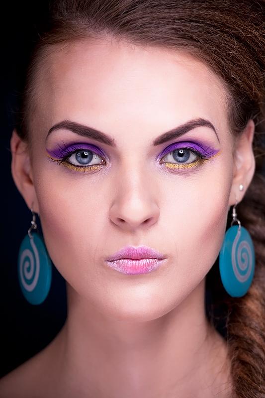 Female model photo shoot of Magdalena S Make up