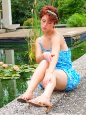 http://photos.modelmayhem.com/photos/110821/17/4e51a3ffab7df_m.jpg