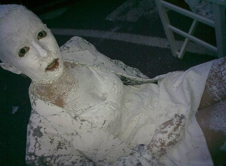 Female model photo shoot of noanda in Volterra