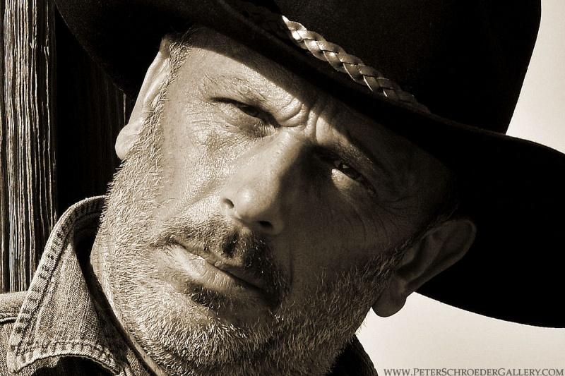 http://photos.modelmayhem.com/photos/110823/21/4e5478af3a516.jpg