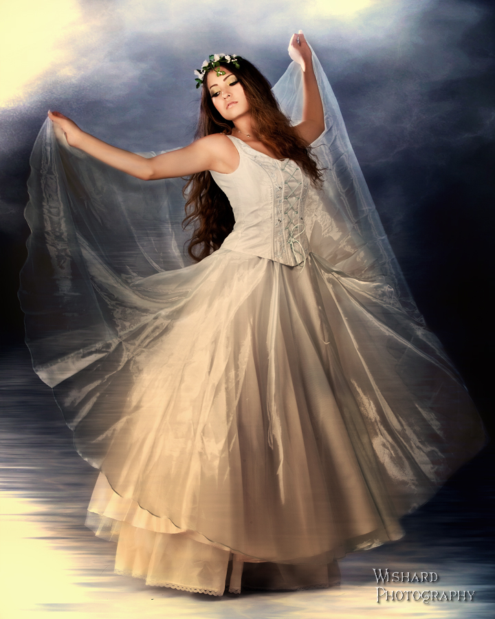 http://photos.modelmayhem.com/photos/110824/11/4e55465ca7e73.jpg