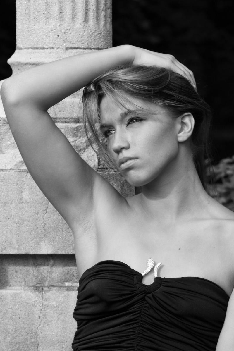 Female model photo shoot of L Pawlowski