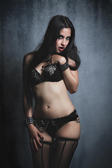 Aug 24, 2011 Dark Maiden