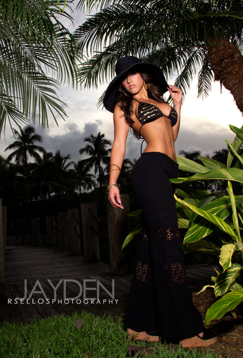 Aug 25, 2011 rSellos Photography Miami shoot w one of my favorite photographers..just love his work!! Thanks Russ :)