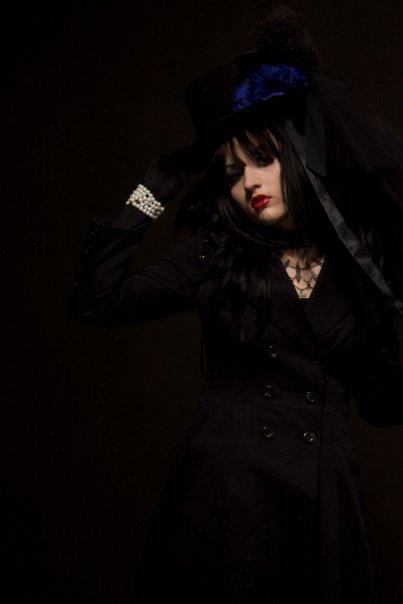 Female model photo shoot of Michelle Branch