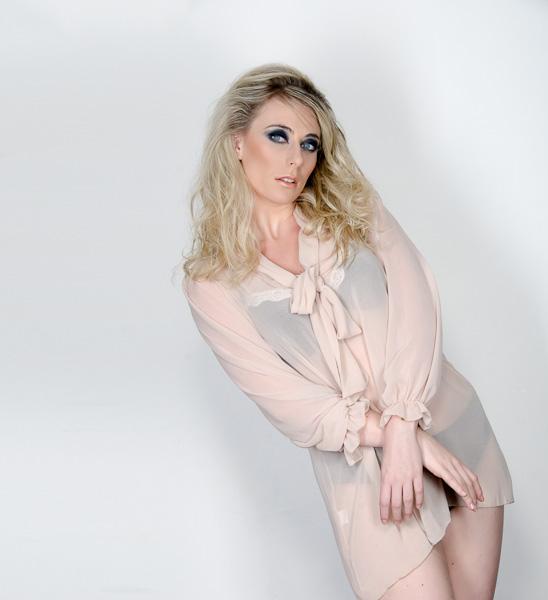 Female model photo shoot of Sophie Rozalyne Jones