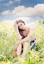 http://photos.modelmayhem.com/photos/110829/11/4e5bd59abf446_m.jpg