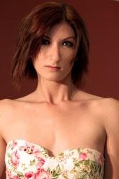 http://photos.modelmayhem.com/photos/110830/17/4e5d844a12e78_m.jpg