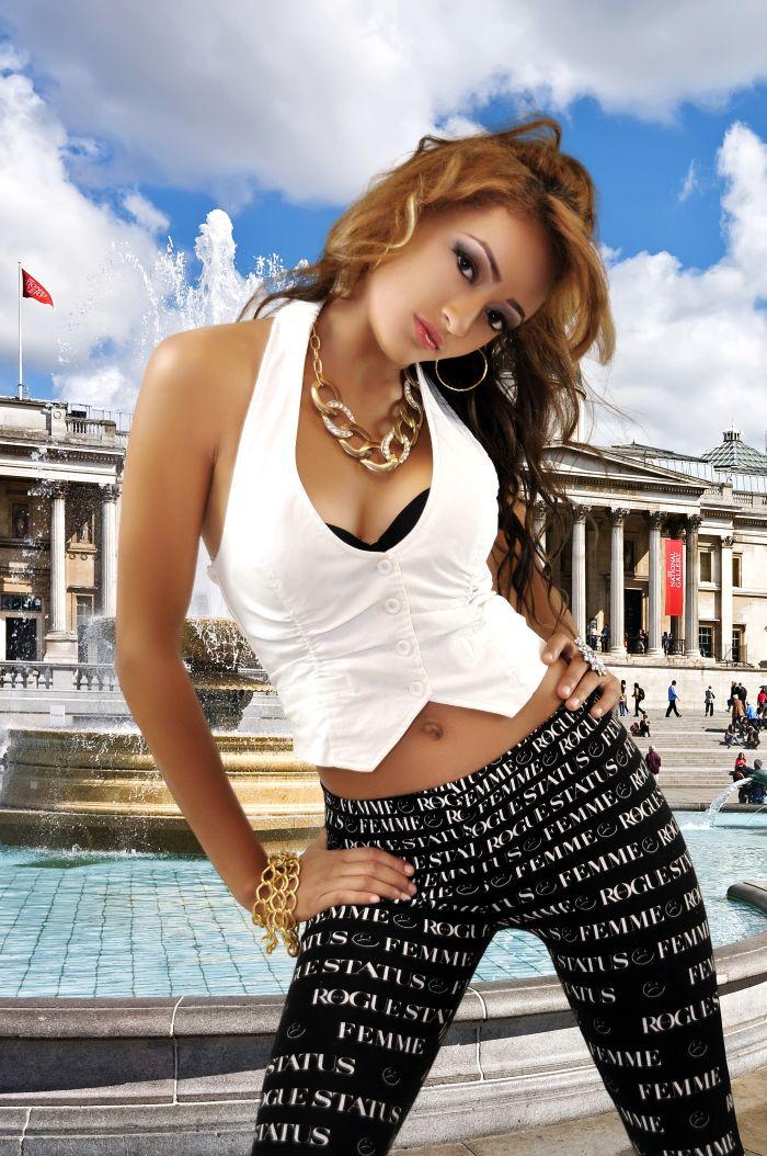 Female model photo shoot of YellowStarr