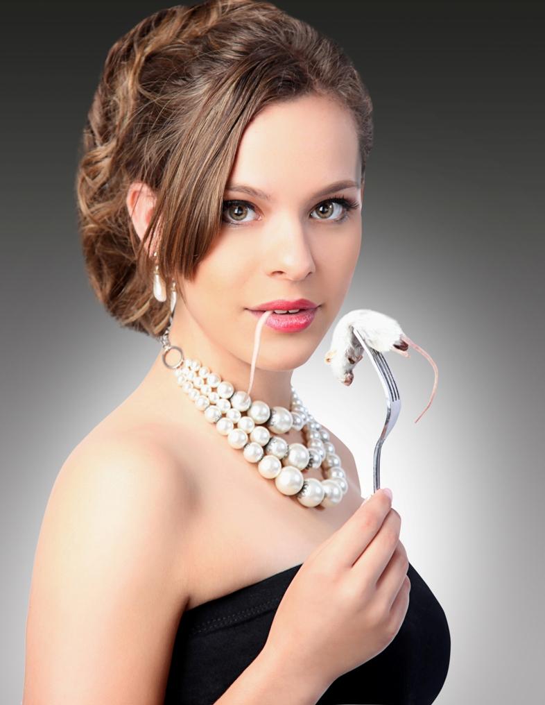 http://photos.modelmayhem.com/photos/110905/14/4e654244ad110.jpg