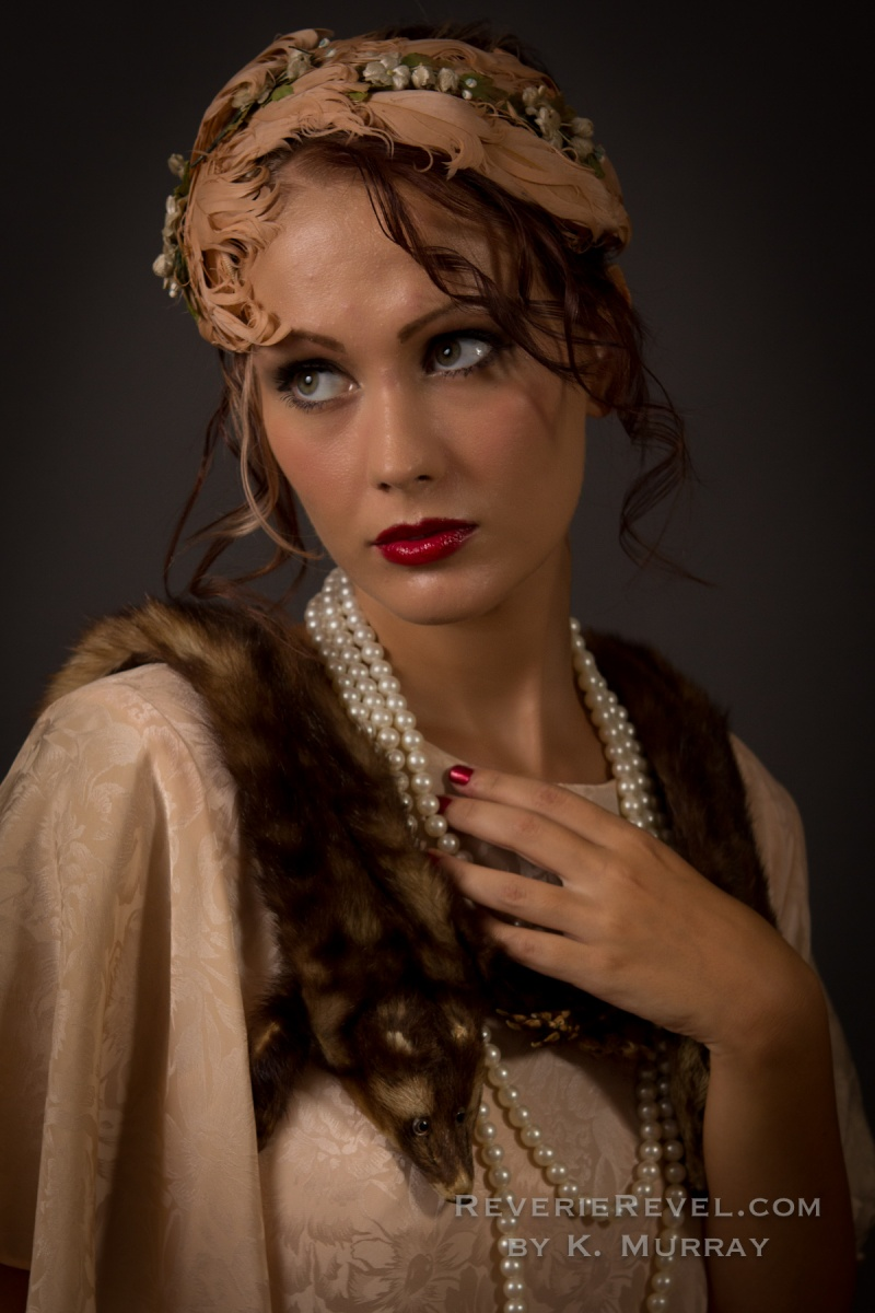 Sep 07, 2011 ReverieRevel.com Model is wearing an authentic 1920s feather hair piece