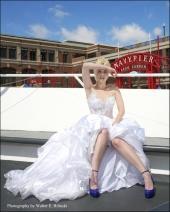http://photos.modelmayhem.com/photos/110907/19/4e682874483ee_m.jpg
