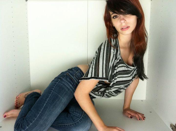 Female model photo shoot of Alice McGee by ModelHype