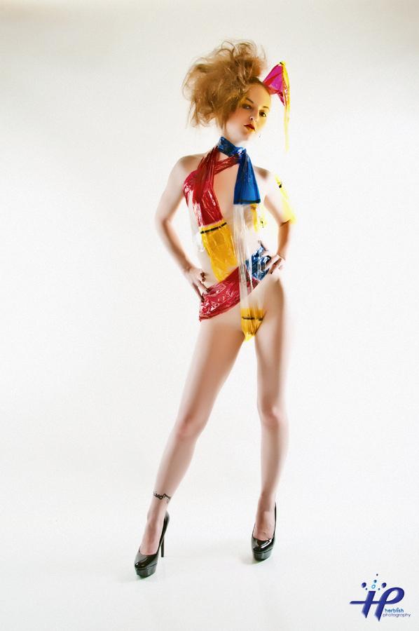 http://photos.modelmayhem.com/photos/110910/19/4e6c1cd23ebe3.jpg