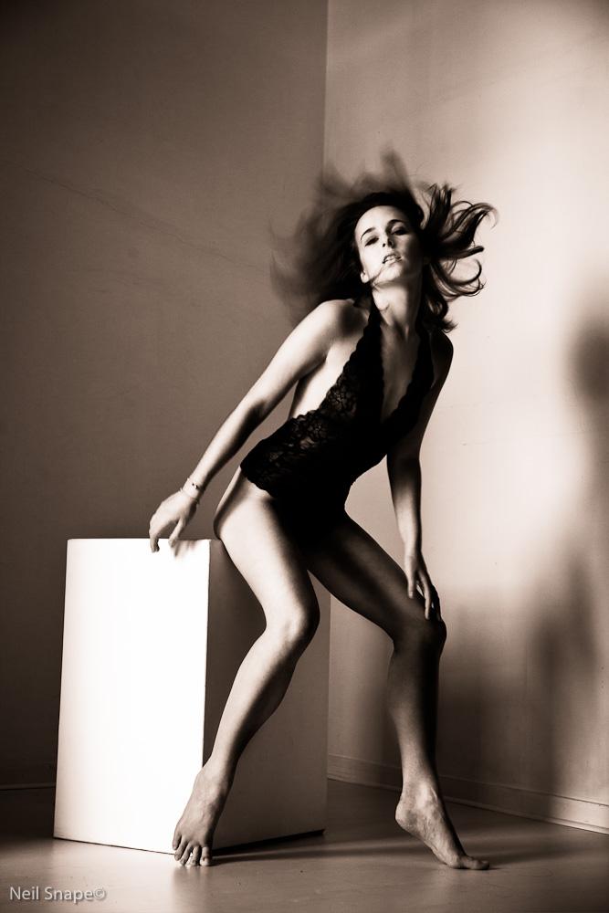 https://photos.modelmayhem.com/photos/110912/04/4e6de9fb34341.jpg