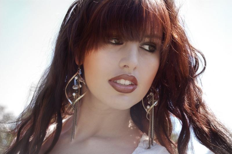 http://photos.modelmayhem.com/photos/110912/07/4e6e15e1f2d8d.jpg