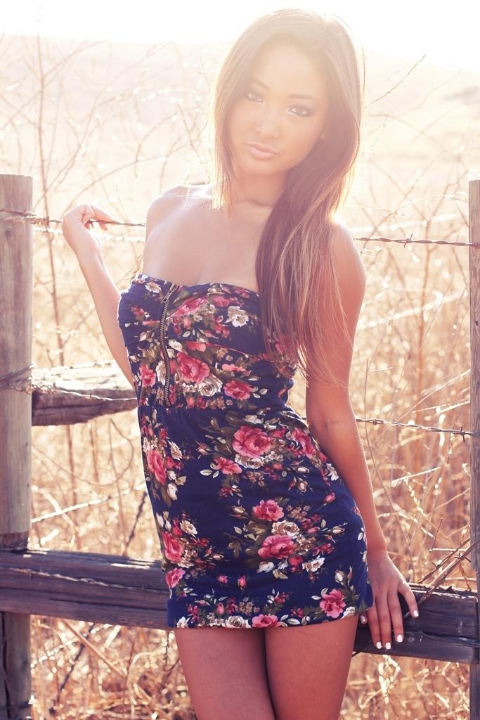 Female model photo shoot of Graceyy