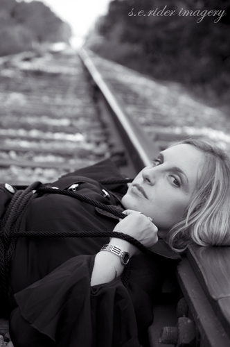Female model photo shoot of Zaldania