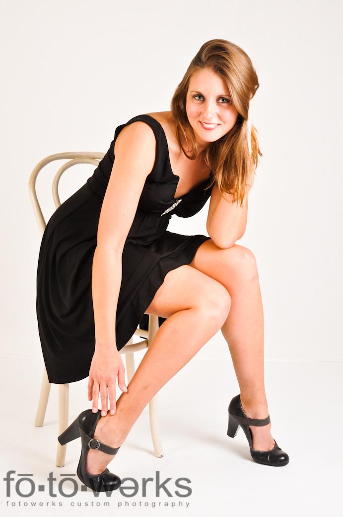 http://photos.modelmayhem.com/photos/110913/17/4e6ff38126079.jpg