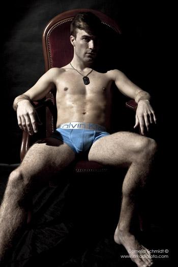 Male model photo shoot of Oskar Sternulf