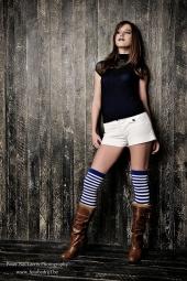 http://photos.modelmayhem.com/photos/110916/03/4e7320292bd1a_m.jpg