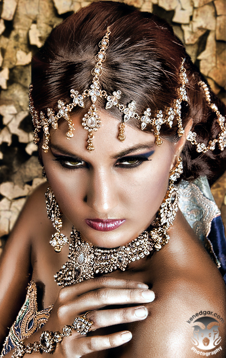 https://photos.modelmayhem.com/photos/110916/08/4e73690c491f7.jpg