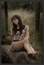 http://photos.modelmayhem.com/photos/110916/15/4e73d1af41b4c_m.jpg