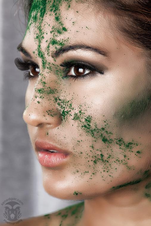 http://photos.modelmayhem.com/photos/110917/05/4e748e7b02654.jpg