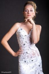 http://photos.modelmayhem.com/photos/110919/00/4e76ea69c65f2_m.jpg