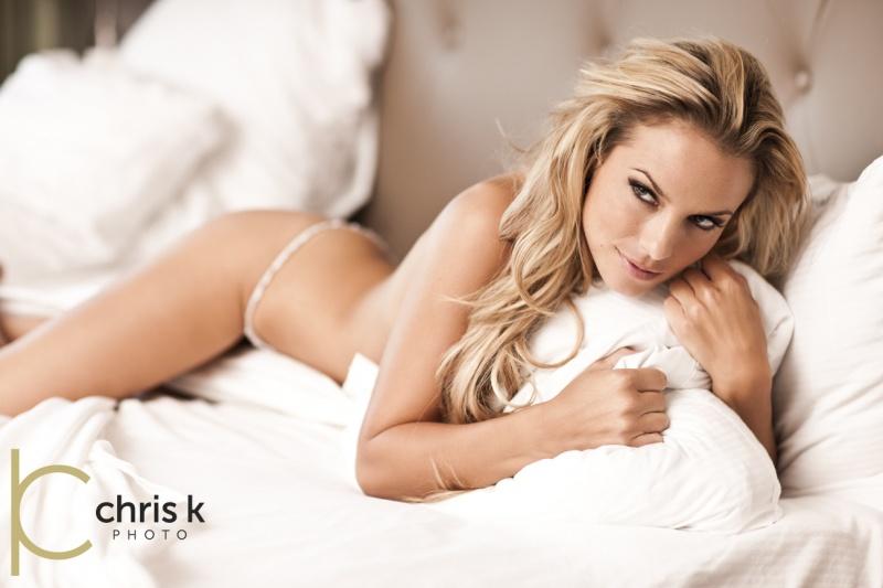 http://photos.modelmayhem.com/photos/110919/18/4e77eb82f39ab.jpg