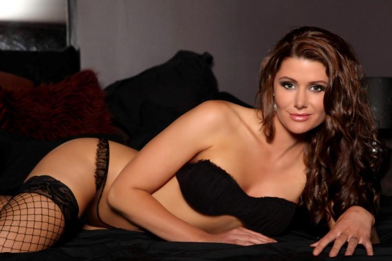 Female model photo shoot of Rachel Whitwell