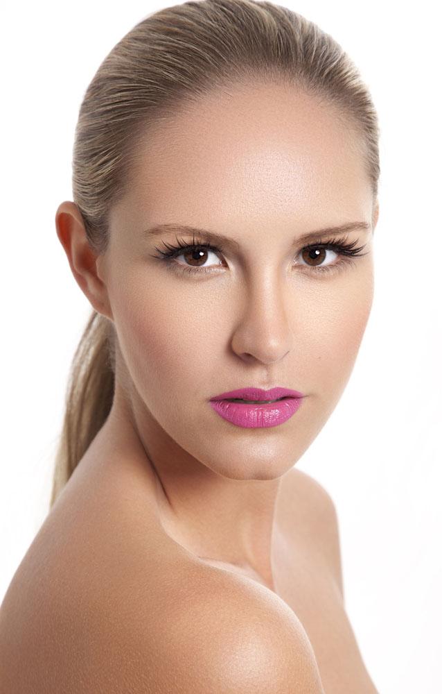 Female model photo shoot of Ems
