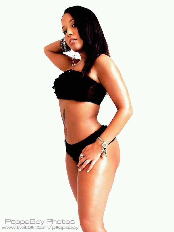 Female model photo shoot of Red_Lickherish
