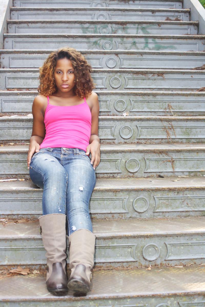 Female model photo shoot of Tania Chnel
