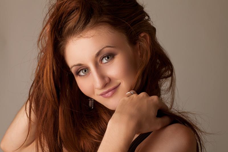 http://photos.modelmayhem.com/photos/110928/09/4e834f69aec1d.jpg