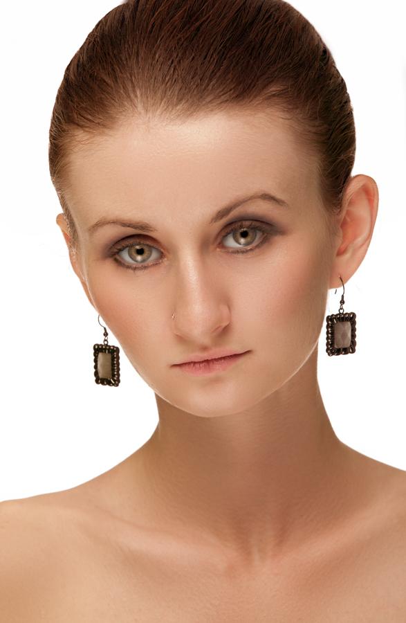 http://photos.modelmayhem.com/photos/110928/09/4e834f6c9e2f5.jpg